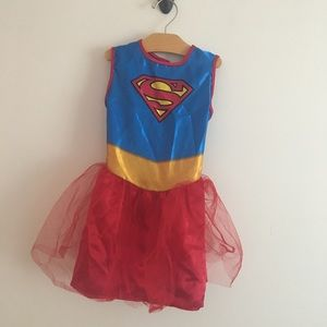 Supergirl costume size small perfect dress up